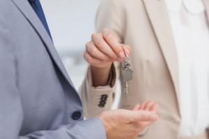 Kodėl vertėtu patikėti parduoti savo nekilnojamąjį turtą nt agentūrai?
